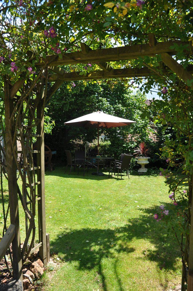 gite-side-garden-001